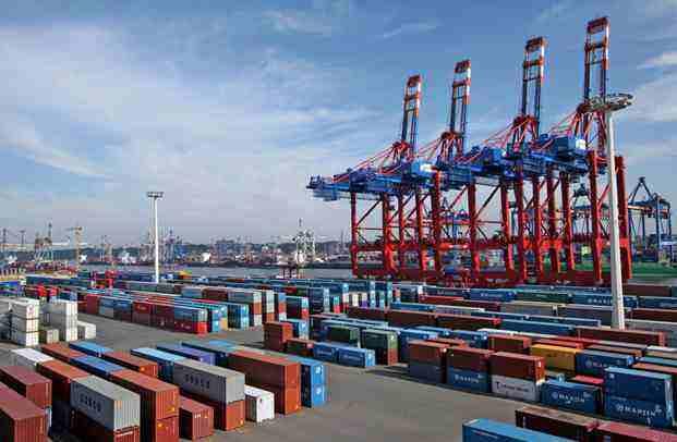 前10个月外贸进出口增长2.4%,发展趋势稳中向好