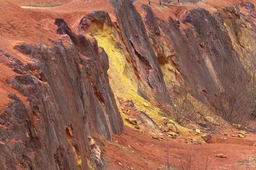 未来10年全球新增铝土矿1.5亿吨 几内亚澳大利亚占比最高